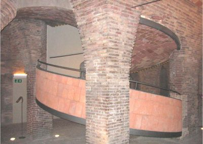 Antoni Gaudí 213