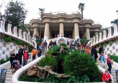 Antoni Gaudí 225
