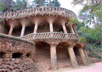 Antoni Gaudí 231