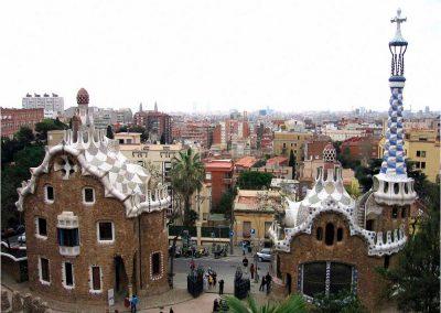 Antoni Gaudí 243